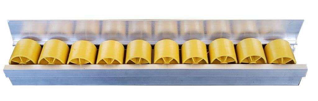 trilho 65 A horizontal 1 1024x328 - Trilho Roletado Flow Rack com Aba para 65 Kg